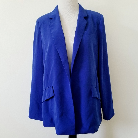 Forever 21 Jackets & Blazers - Forever 21 Electric Blue Padded Blazer